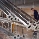 Повърхностния слой на материалите се стопява, като се свързва с цинка и образува защитно покритие
